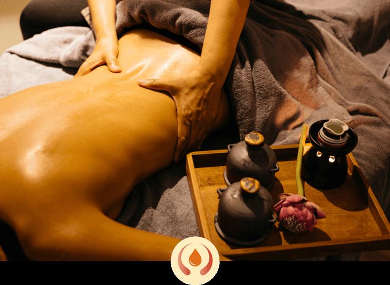 Massaggio Olistico con oli essenziali