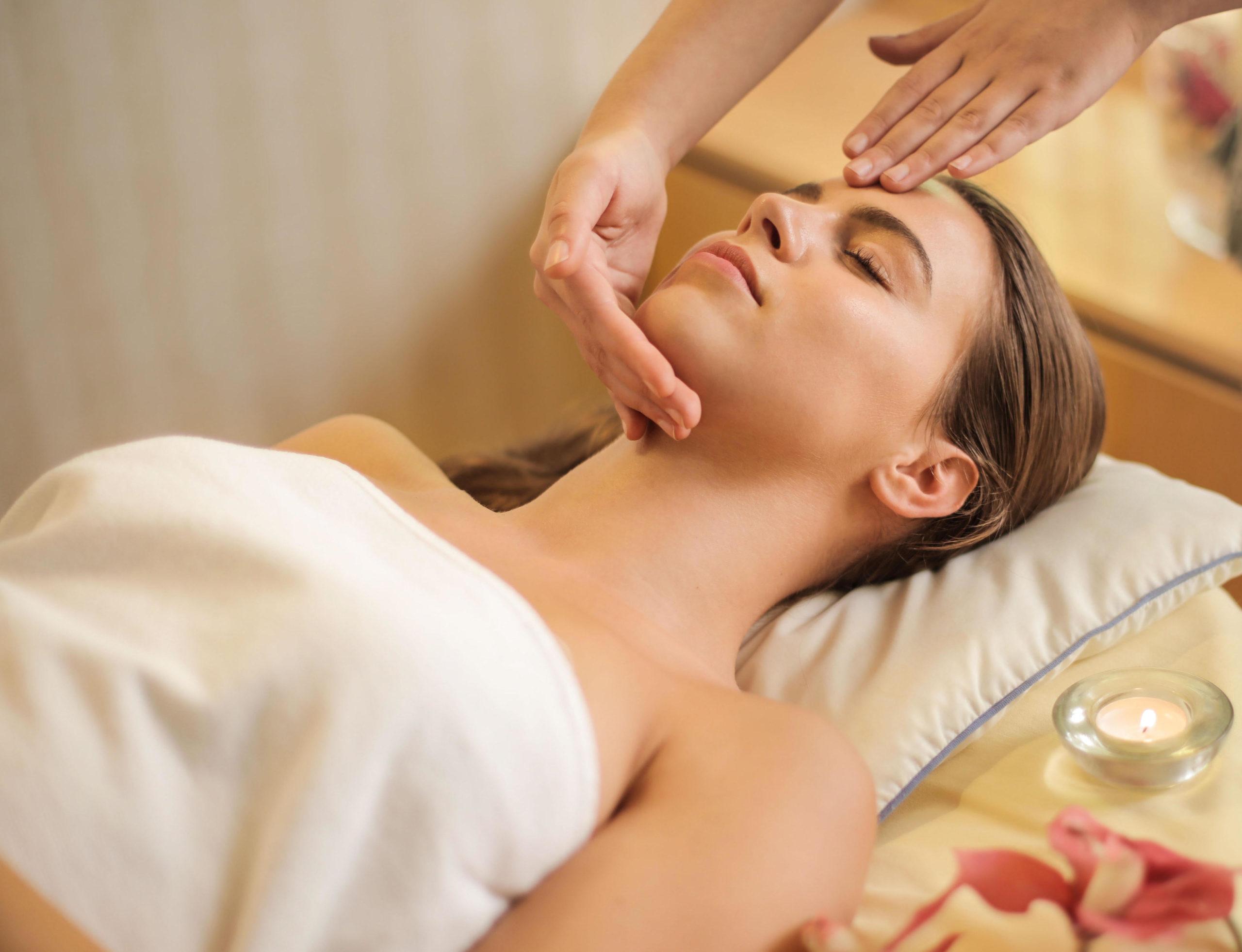 Massaggio giapponese del viso